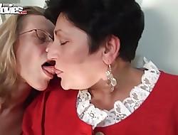 free xxx lesbi videos